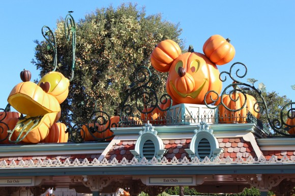 disneyland halloween events and after hours mickeys halloween party expands to 14 nights - Disneyland Hours Halloween