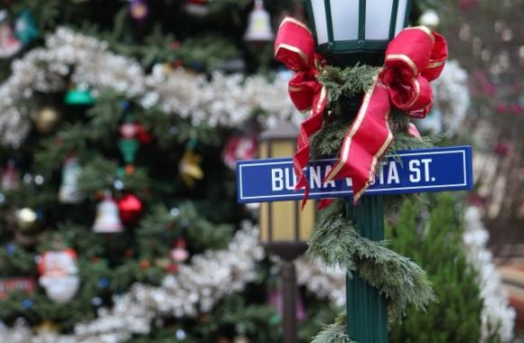 Buena-Vista-Street-0028003-640x420